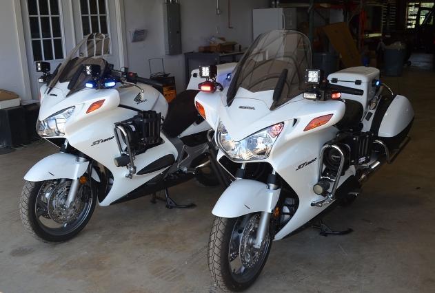 Xe mô tô đặc chủng chuyên dụng - Honda ST1300